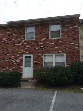 909 Colonial Vlg, Martinsburg, WV 25401