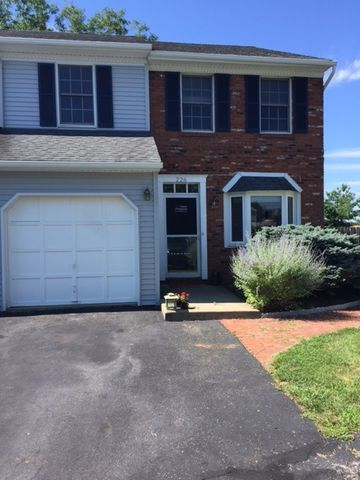 226 Village Walk Dr, Macungie, PA 18062