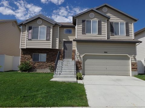 986 W Stonehenge Dr, North Salt Lake, UT 84054