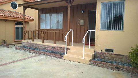 890 Meyer Ln, Redondo Beach, CA 90278