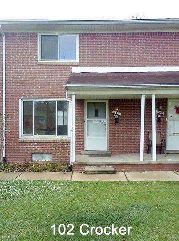 92 Crocker Blvd, Mount Clemens, MI 48043