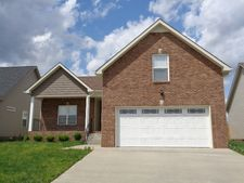 685 White Face Dr, Clarksville, TN 37040