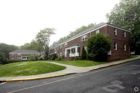 363 Grand Ave, Leonia, NJ 07605