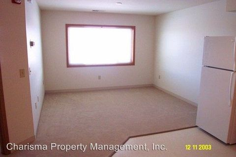 749 S Streeter Dr, North Sioux City, SD 57049