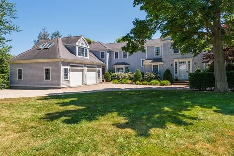 689 Scudder Ave, Hyannis Port, MA 02647
