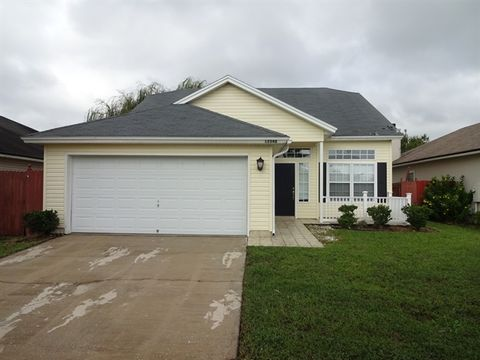 12548 Ayrshire St E, Jacksonville, FL 32226