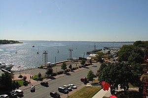 18-2 K Harbor Ter, Perth Amboy, NJ 08861