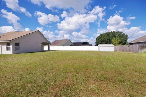 106 Berlwood Way, Davenport, FL 33837