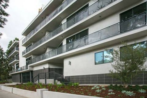 8755 Shoreham Dr, West Hollywood, CA 90069
