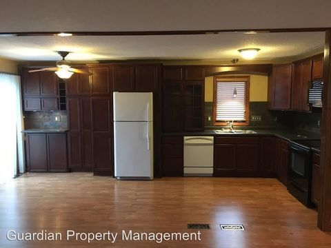 118 25th St W, Hastings, MN 55033