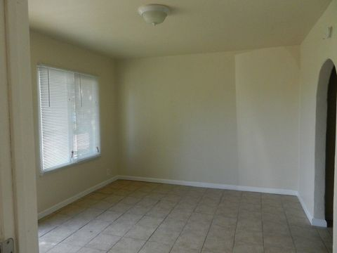 9245 Mission Blvd, Riverside, CA 92509