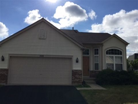 300 Redwing Dr, Woodstock, IL 60098