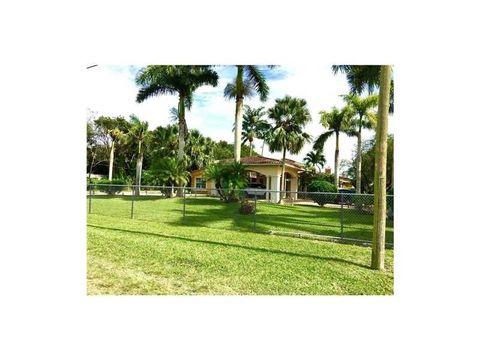 8500 Sw 142nd St, Palmetto Bay, FL 33158