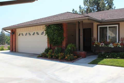 26316 Long Oak Dr, Newhall, CA 91321
