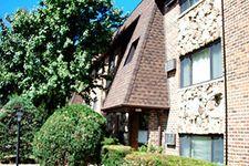 648 Carroll Sq, Elk Grove Village, IL 60007