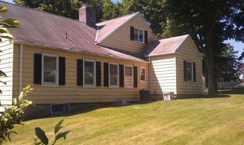 6 Lakeview Rd, Brookfield, CT 06804