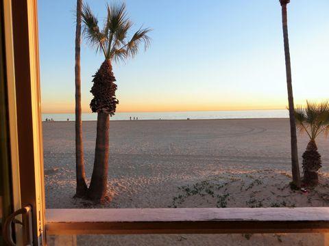 1514 W Oceanfront Apt A, Newport Beach, CA 92663