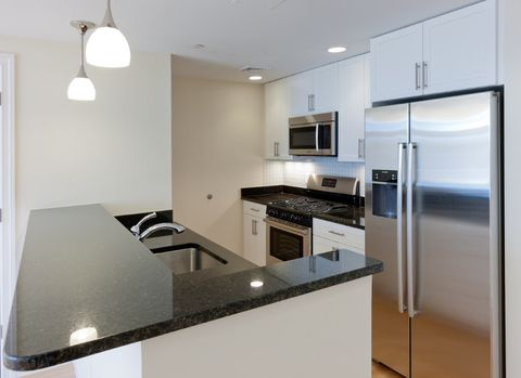 6 Cameron Ave # 303, Somerville, MA 02144