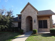 223 Dancing Light Ln, Red Oak, TX 75154