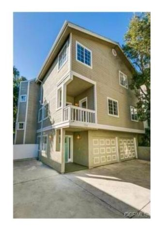 724 9th St, Hermosa Beach, CA 90254