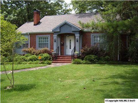 990 Oakview Ave, Gadsden, AL 35901