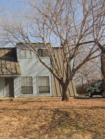 818 S Roosevelt St, Pearsall, TX 78061