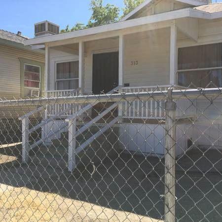 313 Woodrow St, Taft, CA 93268