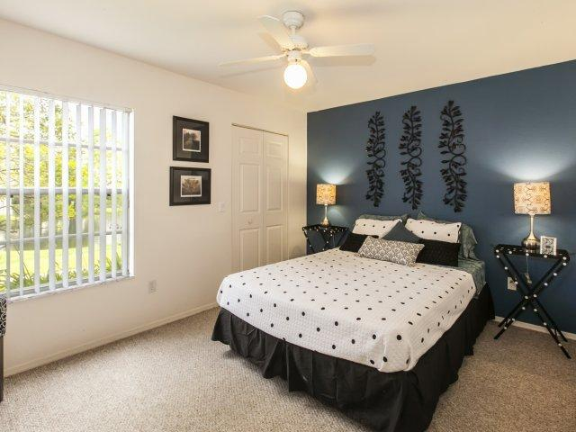 Eagles Pointe, Brunswick - (see pics & AVAIL)