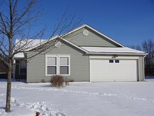 527 Runnymede Ct, Greenfield, IN 46140
