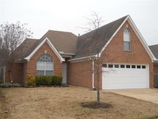 8396 Cross Point Dr, Olive Branch, MS 38654