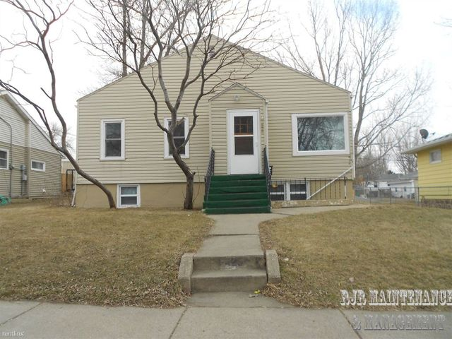 425 1 2 N 16th St Bismarck Nd 58501 Home For Rent
