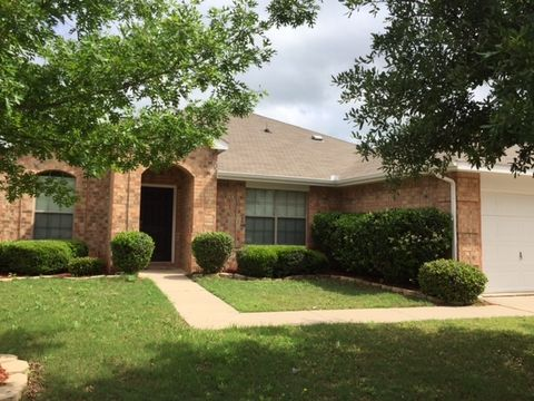 812 Forest Grove Ln, Crowley, TX 76036