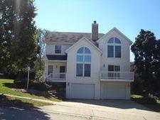 1213 Foxwood Trl, Waukesha, WI 53189