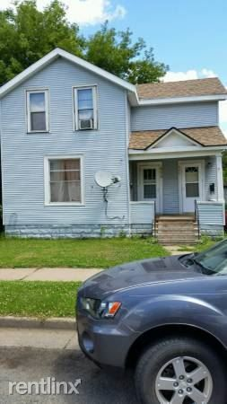 423 N Barstow St, Eau Claire, WI 54703