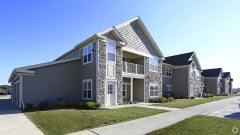 842 Cobblestone Cir, Painesville, OH 44077