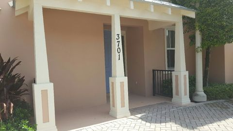 3701 Ne Renar Ave, Jensen Beach, FL 34957