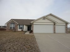 138 Bumblebee Ct, Greenfield, IN 46140