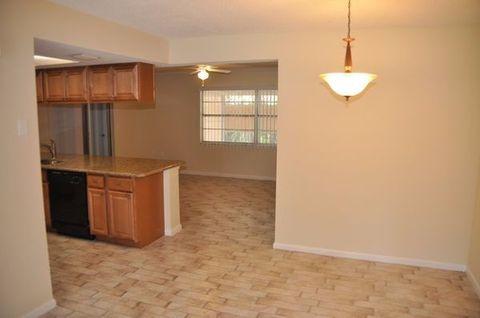 1448 Lakeview Dr, Tarpon Springs, FL 34689