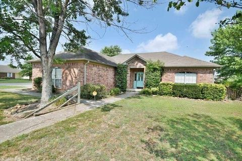 30 Reno Dr, Cabot, AR 72023