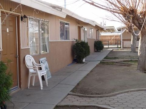 103 Monroe St Apt A, Taft, CA 93268