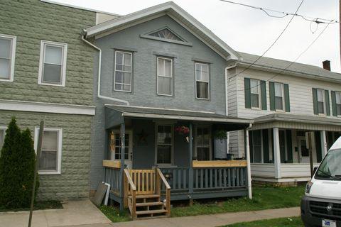 123 Center St, Milton, PA 17847