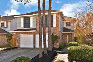 15706 Contender Ln, Friendswood, TX 77546