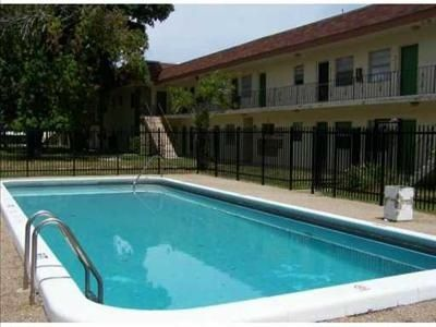 4760 Nw 24th Ct Apt B116, Lauderdale Lakes, FL 33313