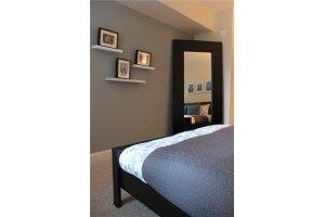 One Bedroom Den in WASHINGTON