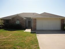 238 Wellington Trl, Weatherford, TX 76085