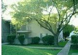 1048 Country Club Dr, Seguin, TX 78155
