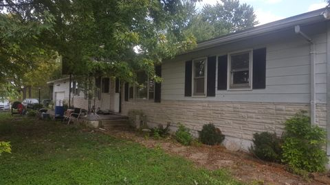 322 Isabell St # A, Cahokia, IL 62206