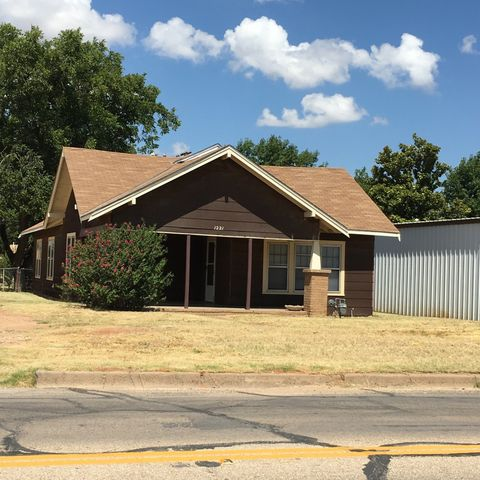 1221 Hickory St, Colorado City, TX 79512