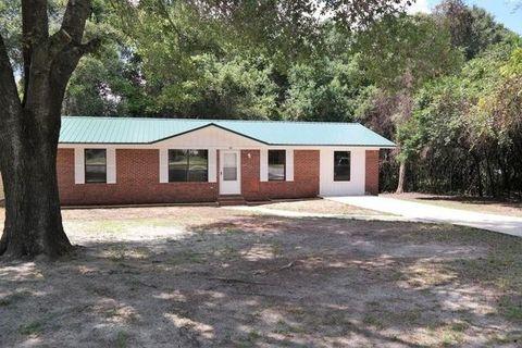 99 N 11th St, Defuniak Springs, FL 32433