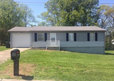 661 Spindle Tree Dr, Hopkinsville, KY 42240